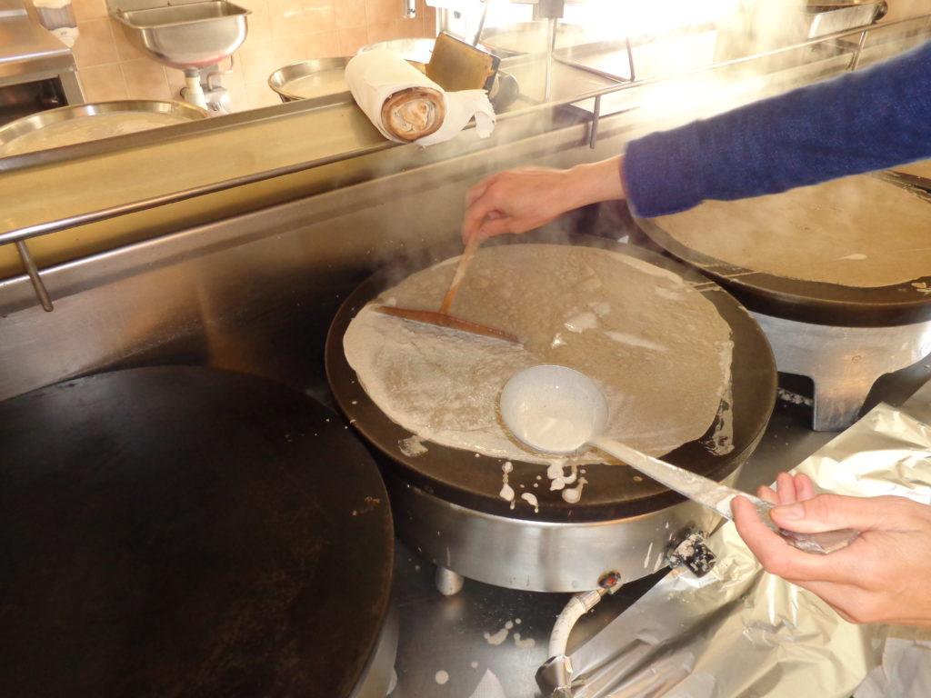 cuisine3-crêperie-du-puits-brandivy